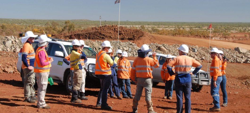 Mine survey with Mitakoodi representatives